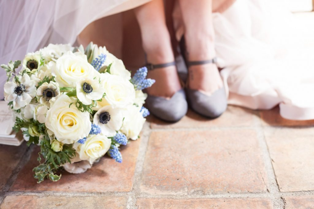 Bouquet and shoes shot Smith_Neesley_Sarah_Melyssa_Photography_IMG0267