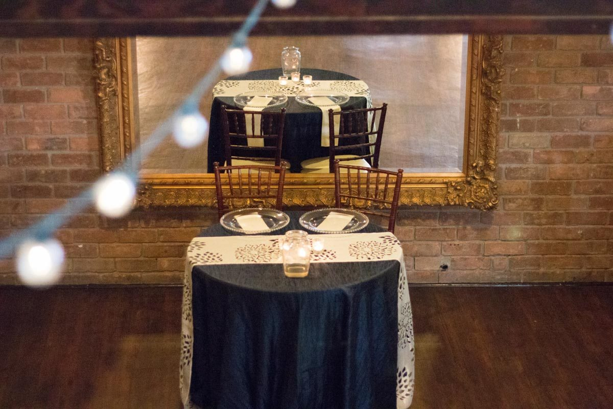 Head table for couple Smith_Neesley_Sarah_Melyssa_Photography_IMG02403