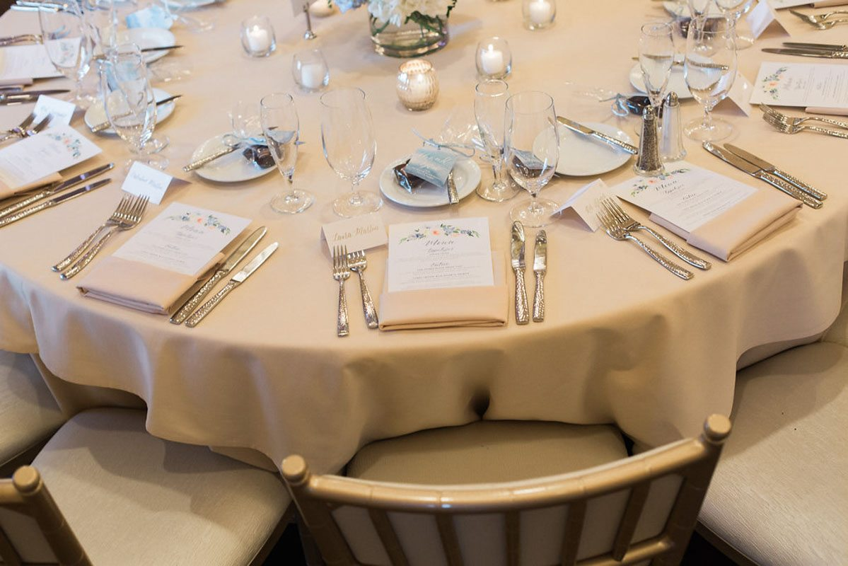 creame-place-setting
