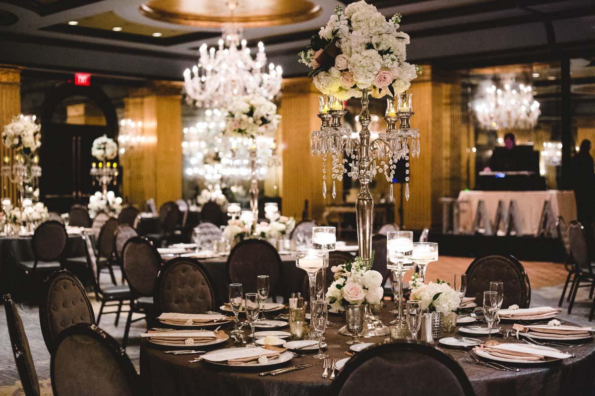 elegant-black-and-white-reception