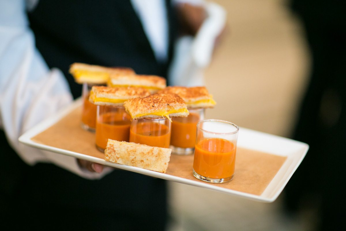 grilled-cheese-and-tomato-soup-reception-appetizer
