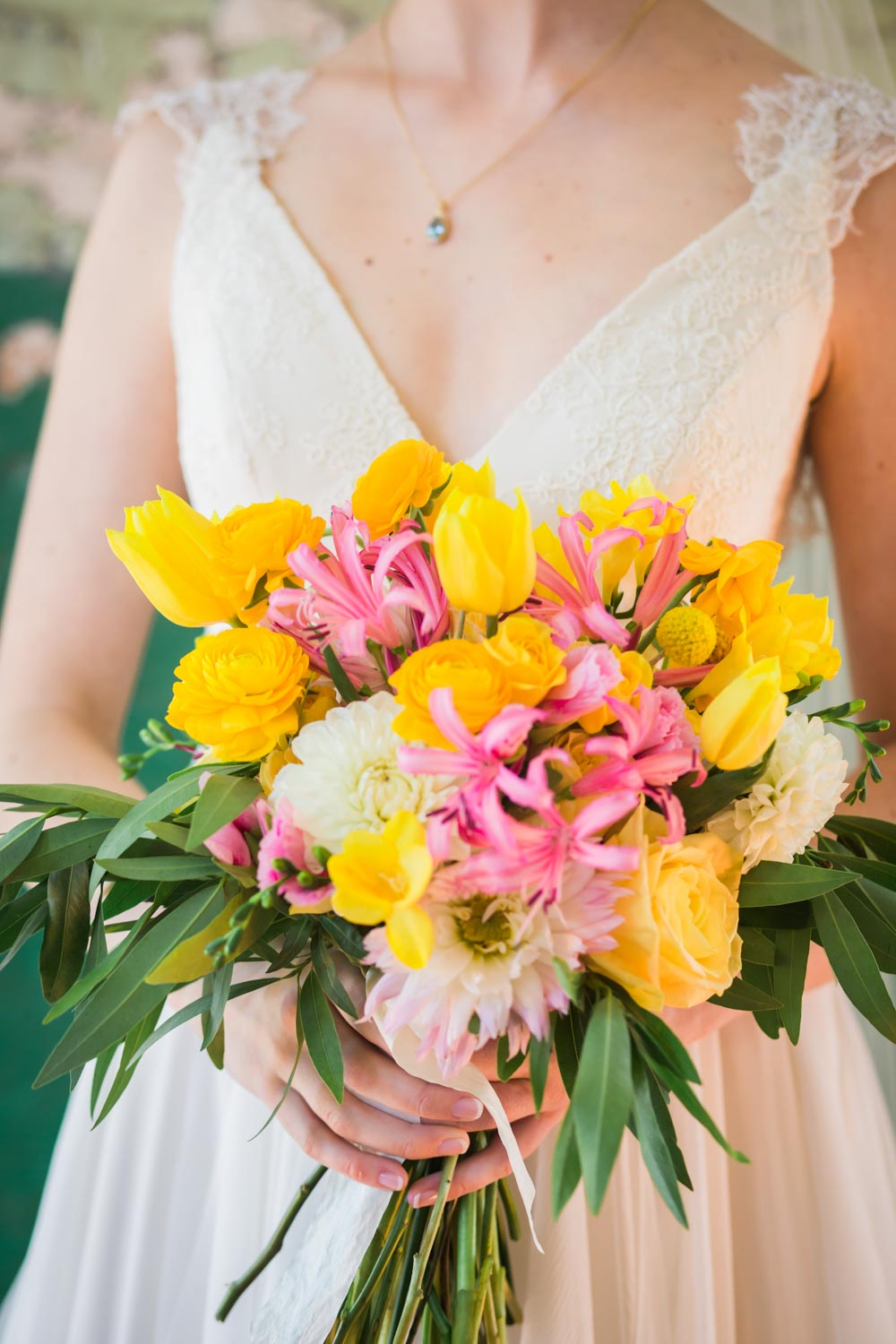 pink-and-yellow-bouquet
