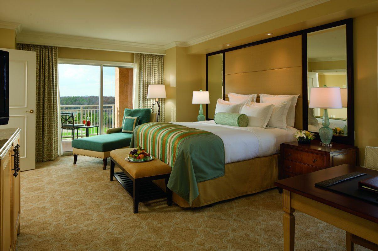 rc-orlando-executive-suite-bedroom