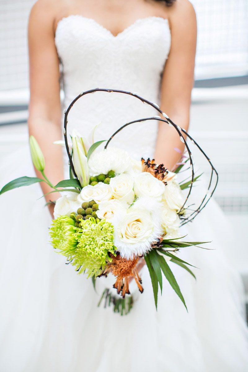 unique-winter-bridal-bouquet-inspiration
