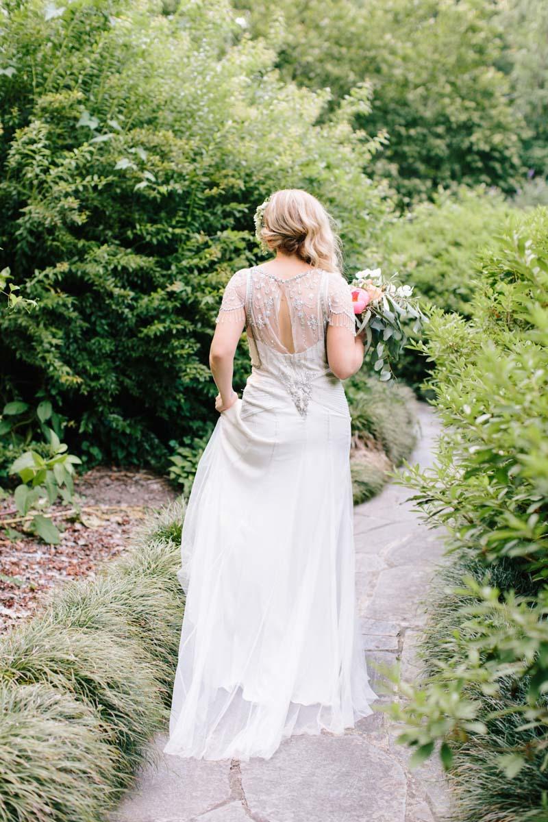 bride-cator-woolford-gardens-outdoor-wedding-venue-atlanta