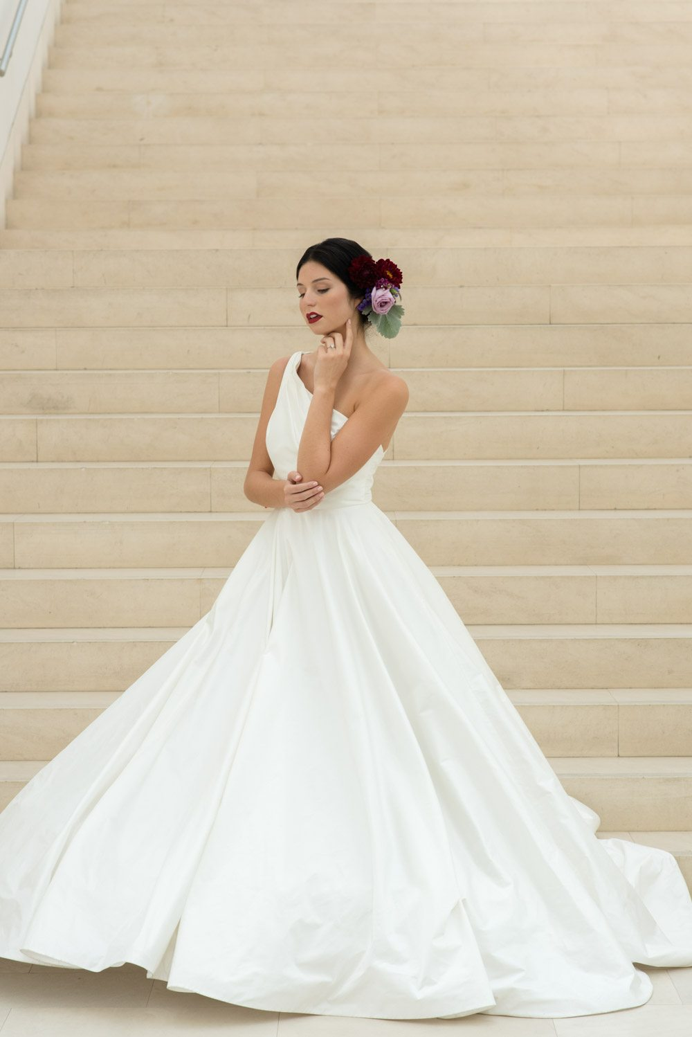 Modern Art Gallery Wedding Ideas at Jepson Center for the Arts in ...
