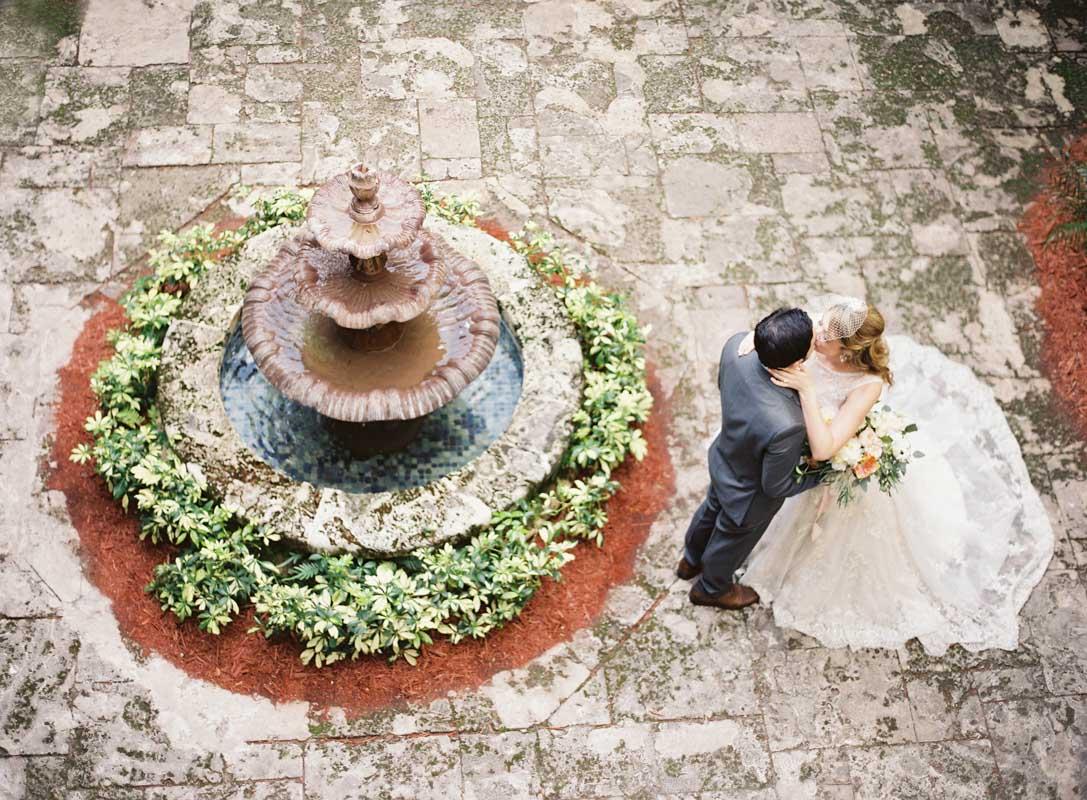 bride-and-groom-fountain-ozzy-garcia-31