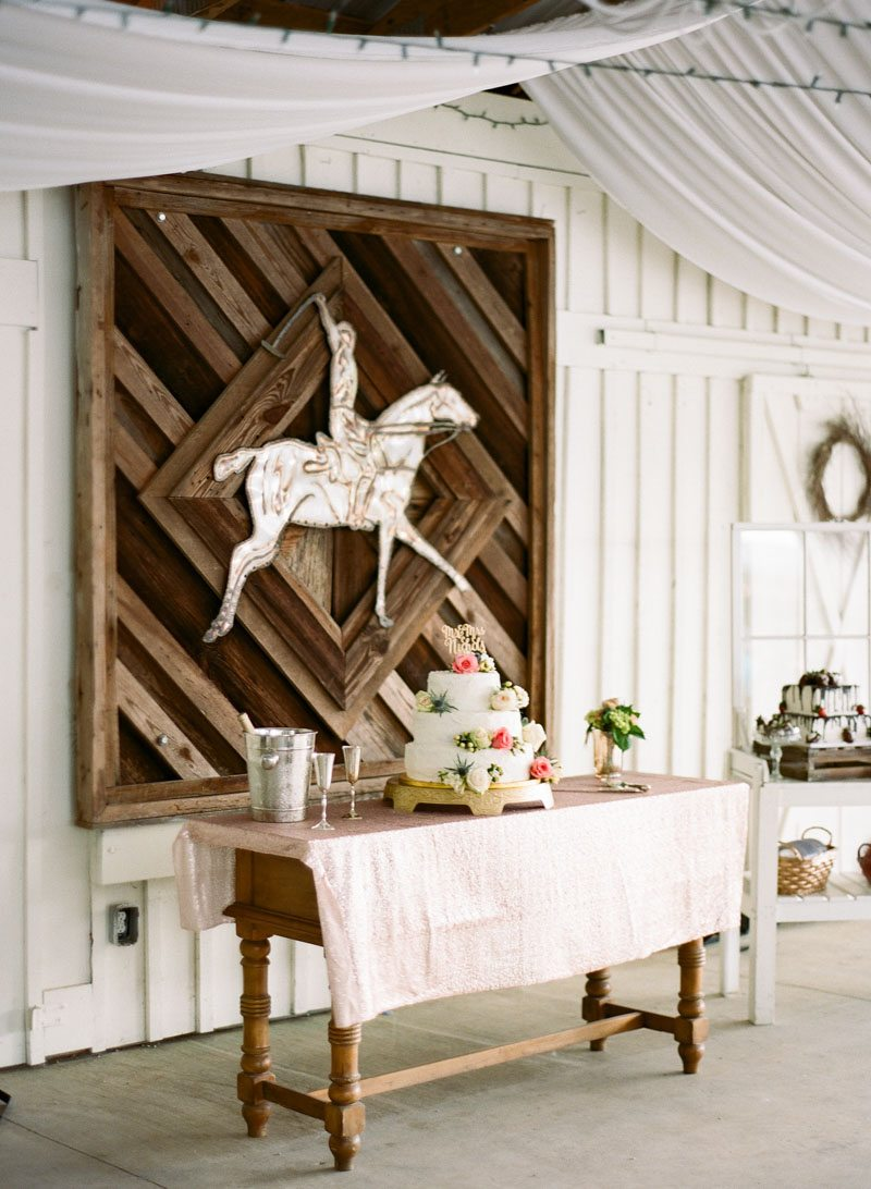 cake-setting-equestrian-details-anna-shakleford-30