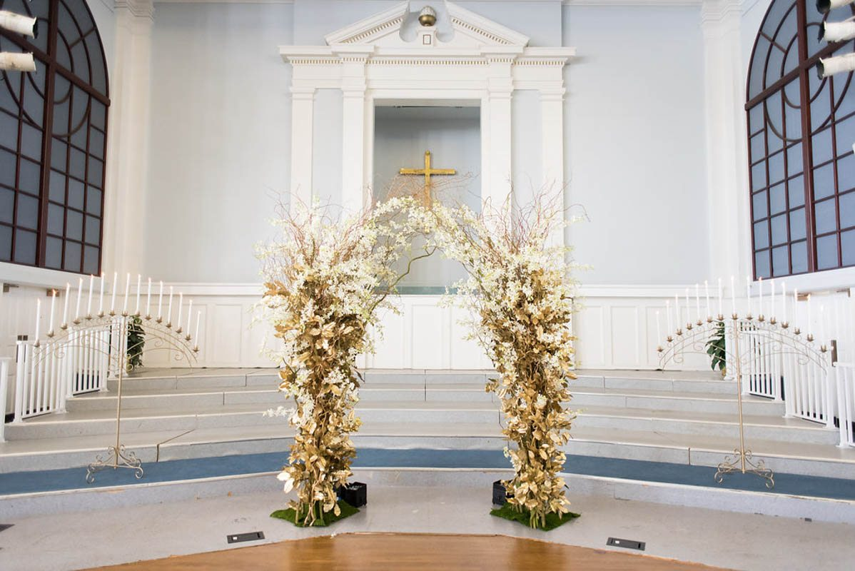 decorative-gold-altar-church-justin-demutiis-651