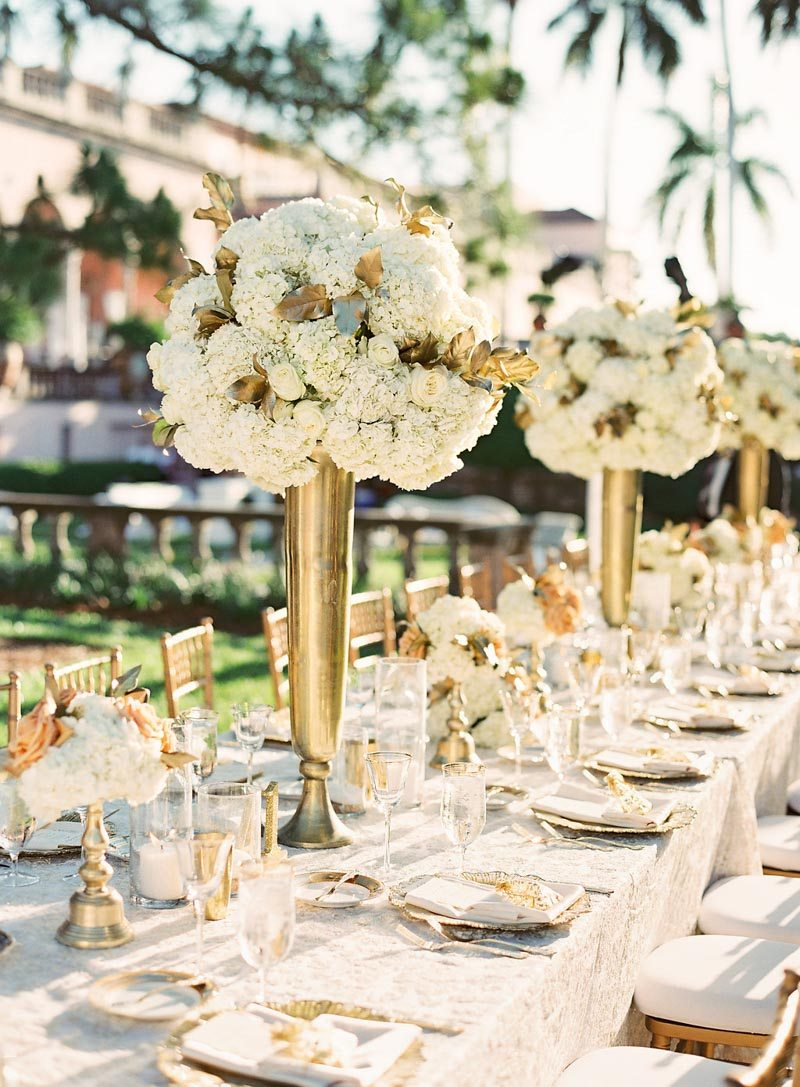 gold-creme-outdoor-reception-tables-justin-demutiis-740