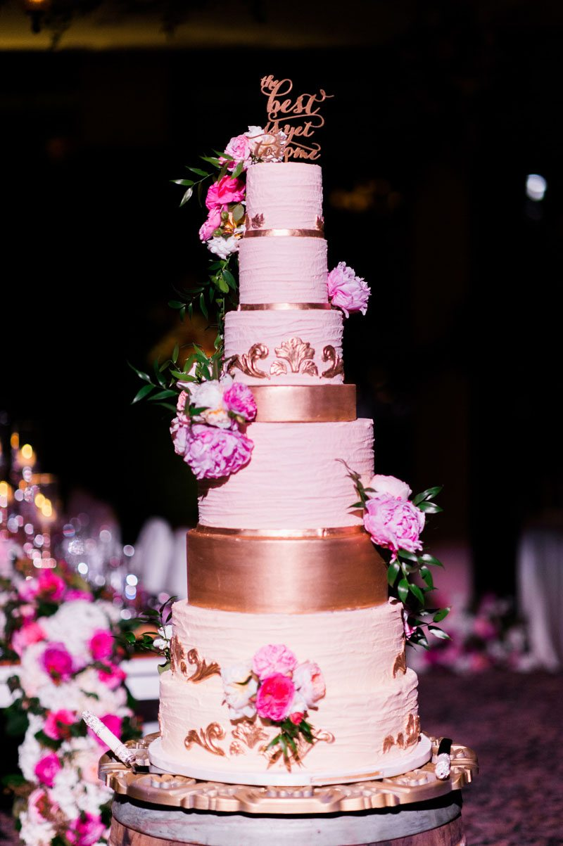 gold-creme-pink-cake-best-photography-96