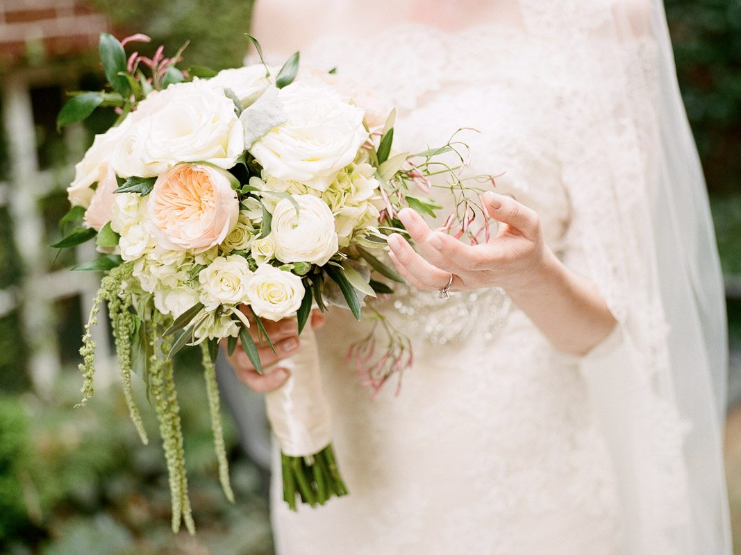 natural-bridal-bouquet-davy-whitener-photography-27