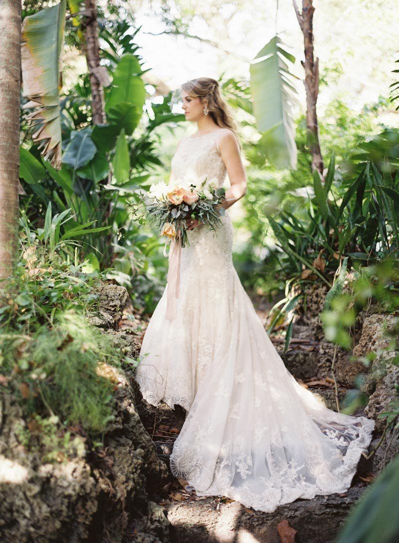outdoor-bridal-looks-ozzy-garcia-23