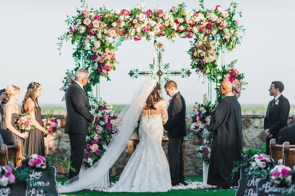 outdoor-ceremony-pink-alter-flowers-best-photography-19