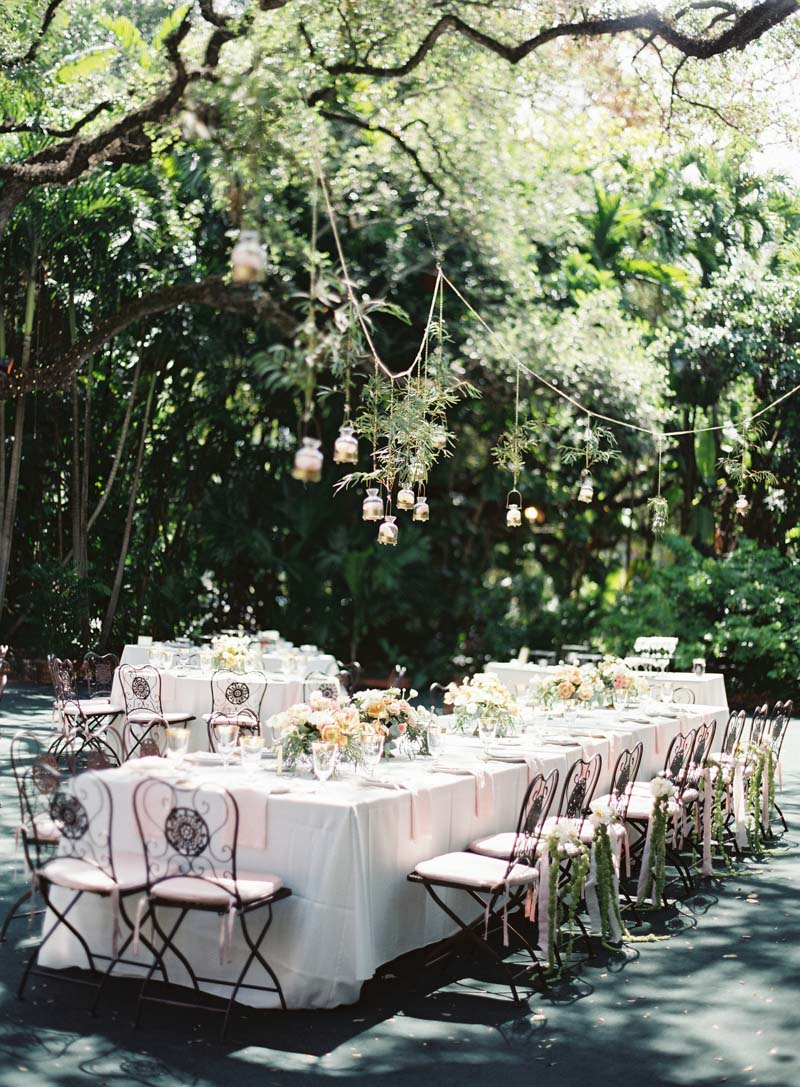 outdoor-reception-hanging-lighting-ozzy-garcia-41