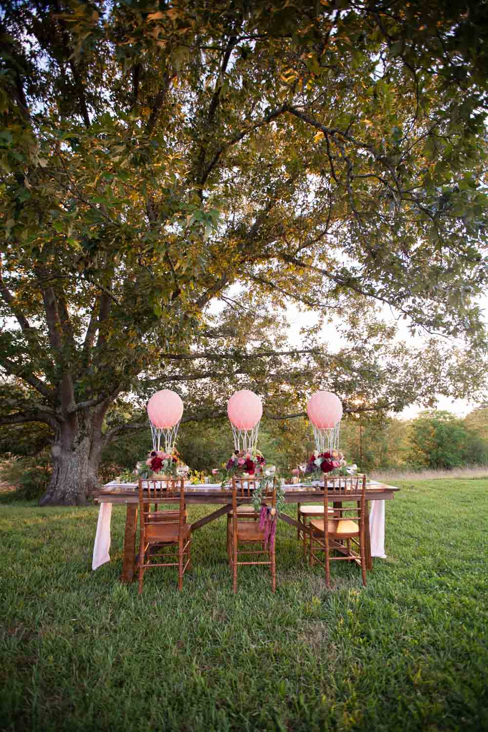 outside-reception-table-pink-chey-photography-sweet-meadow-92
