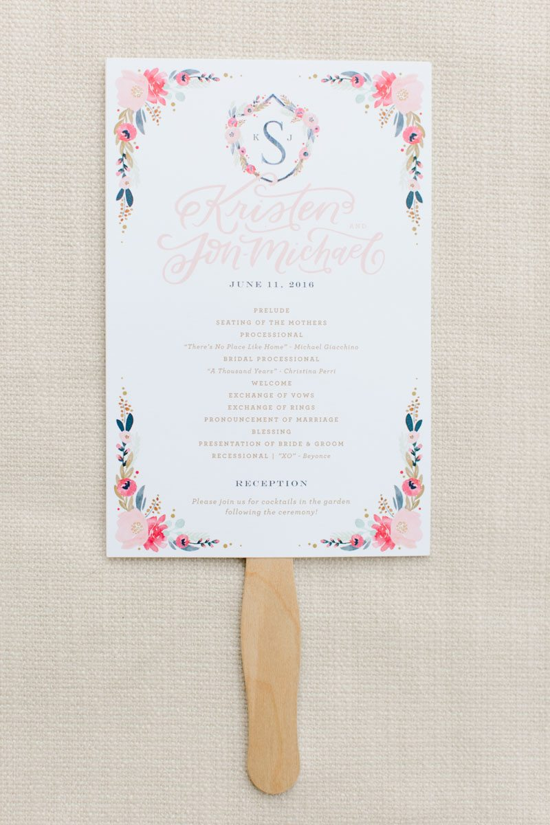 personalized-fans-outdoor-ceremony