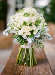 white-wedding-bridal-bouquet-inspiration