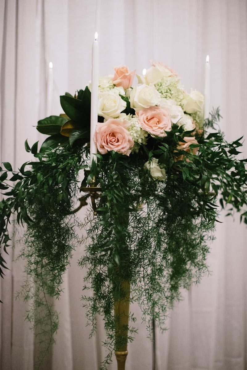 alternative-floral-arrangement-ideas-wedding