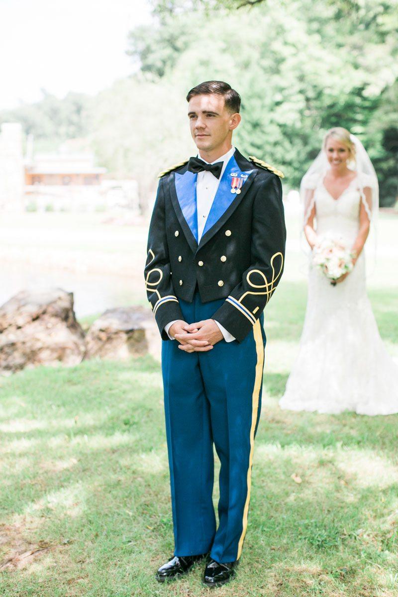 Beautiful Blush Wedding at Willow Creek Falls & Vineyard in Blue ...