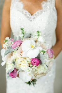 white-pink-bridal-bouquet