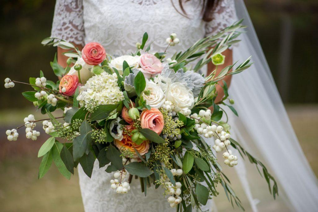 English Garden Inspired Outdoor Wedding at Aldridge Gardens in ...
