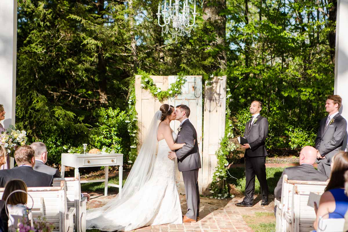 Claire Diana Photography A Wedding Photographer Based In Athens Ga Captured Every Bit Of The Gorgeous Day At Wheeler House An Antebellum Home And