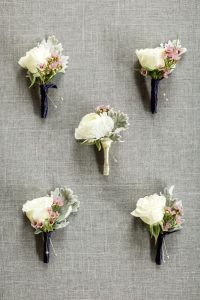 white-wedding-boutonnieres
