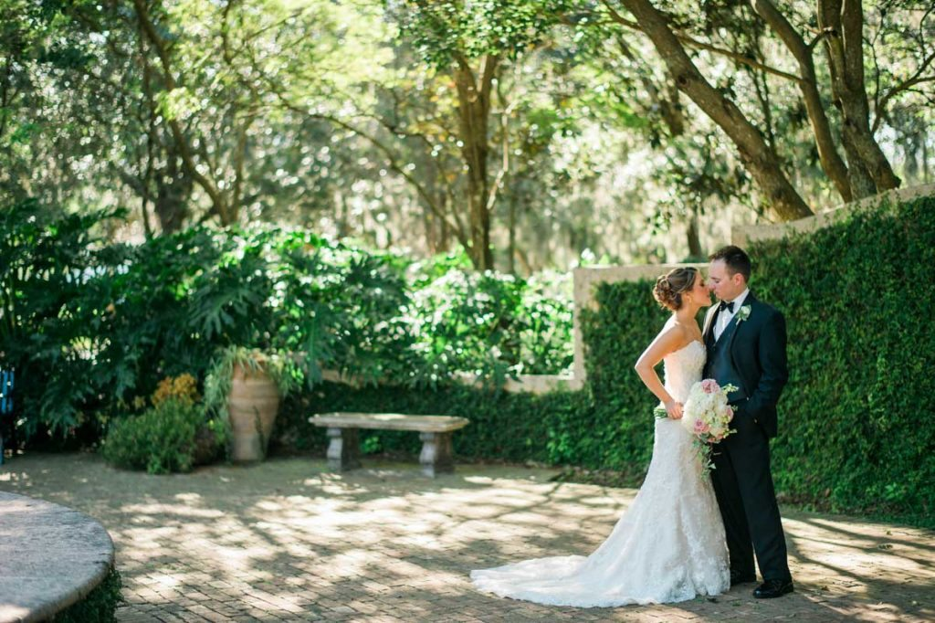 casa feliz courtyard bride groom first look