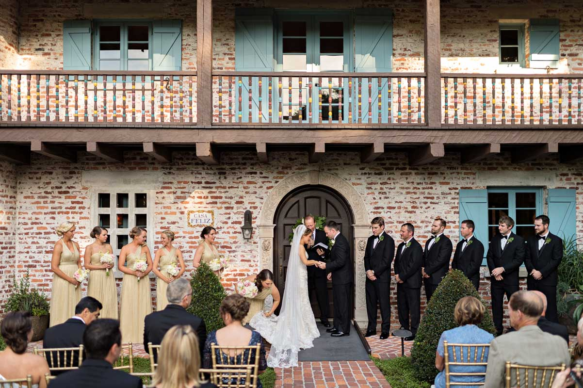Orlando Based Wedding Photographer Kristen Weaver Photography Captured Every Beautiful Moment And Thoughtful Detail Of The Newlyweds Special Day