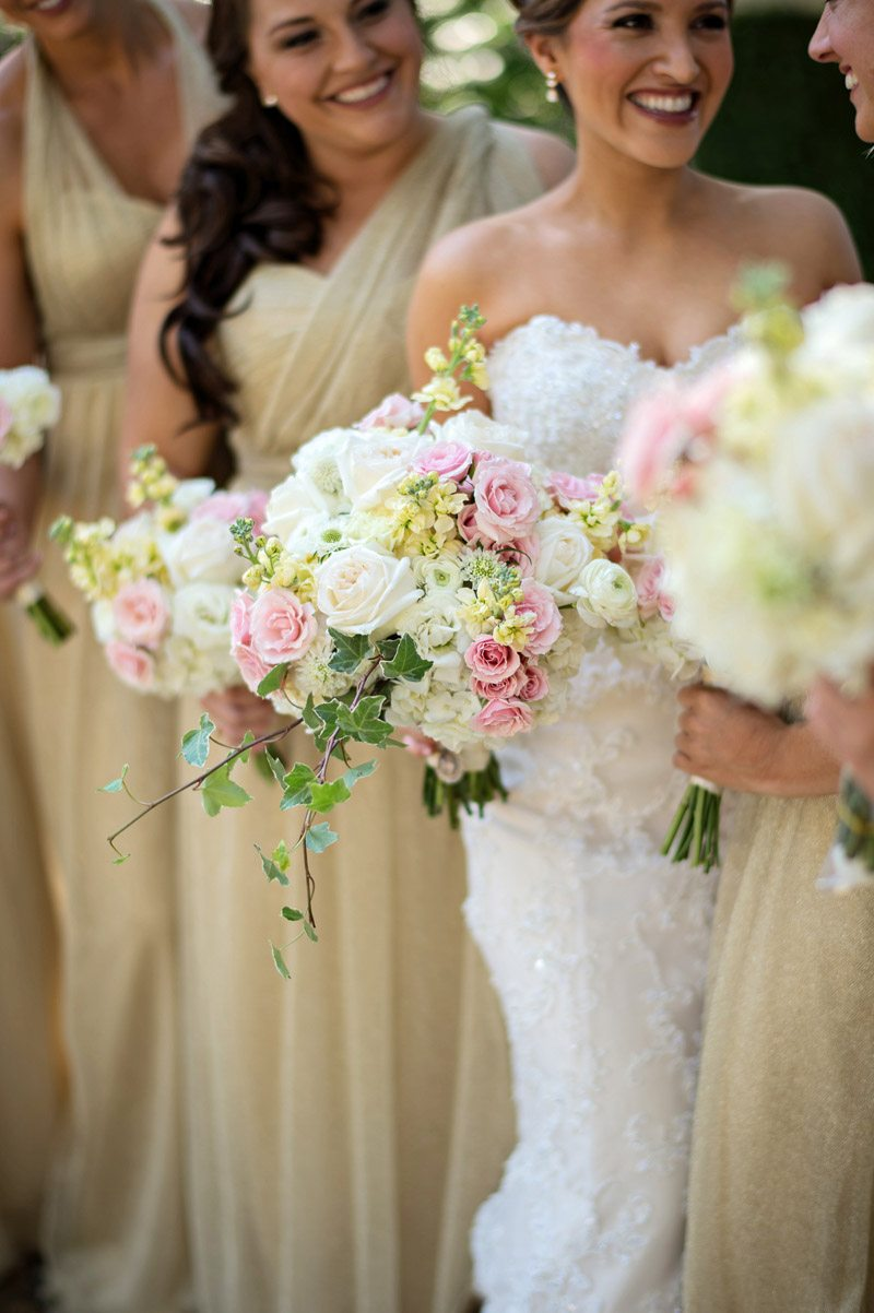 Neutral bridesmaid dresses blush and white bouquets kristen weaver neutral bridesmaid dresses blush and white bouquets kristen weaver photography7 ombrellifo Images