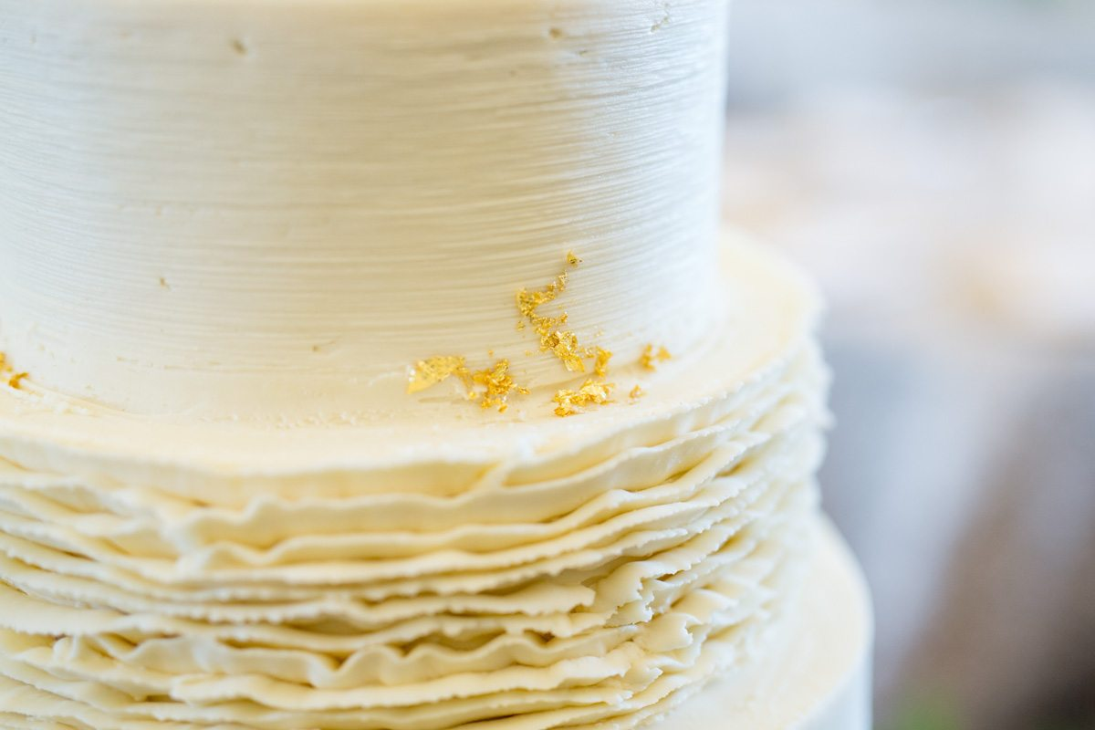 ruffled wedding cake frosting_Shauna Veasey Photography - The ...