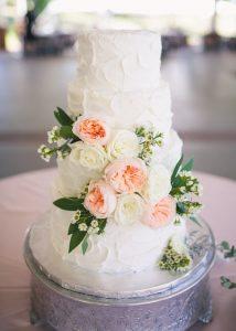 meringue-white-wedding-cake-garden-roses