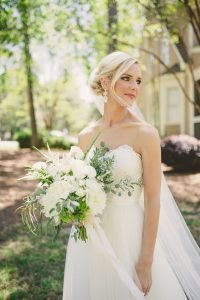 white-bridal-bouquet-inspiration