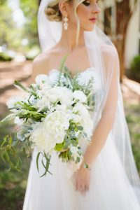 white-bridal-bouquet-ideas