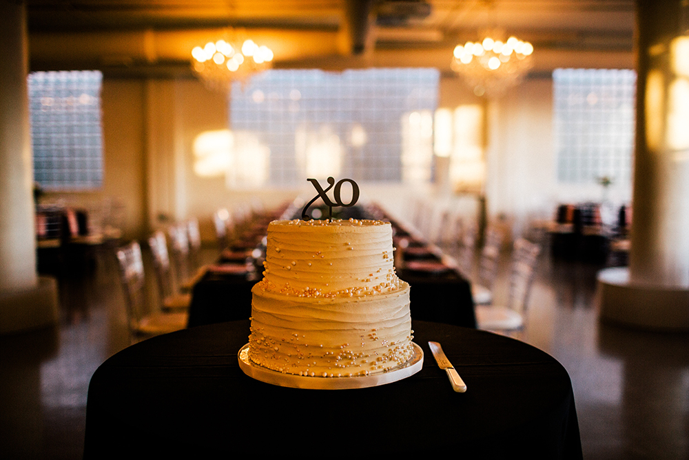 two-tier weddng cake