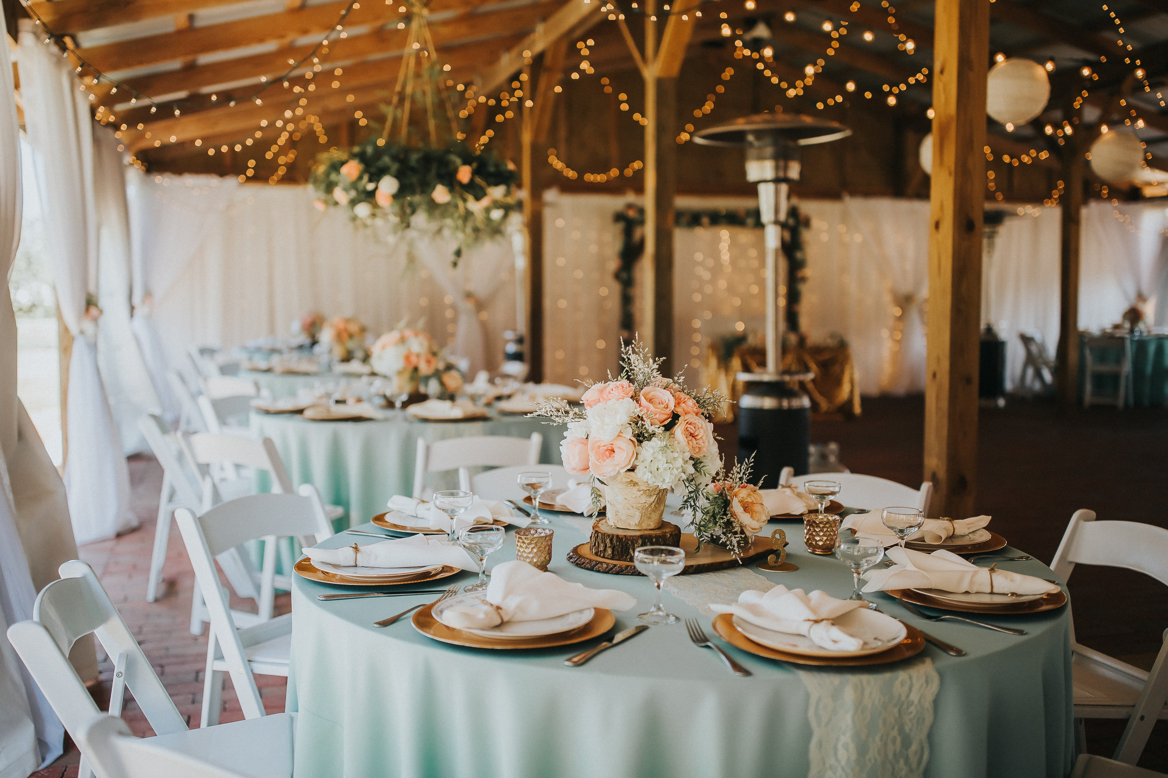 A Gold and Mint Barn Wedding at Cross Creek Ranch in Dover, FL - The ...