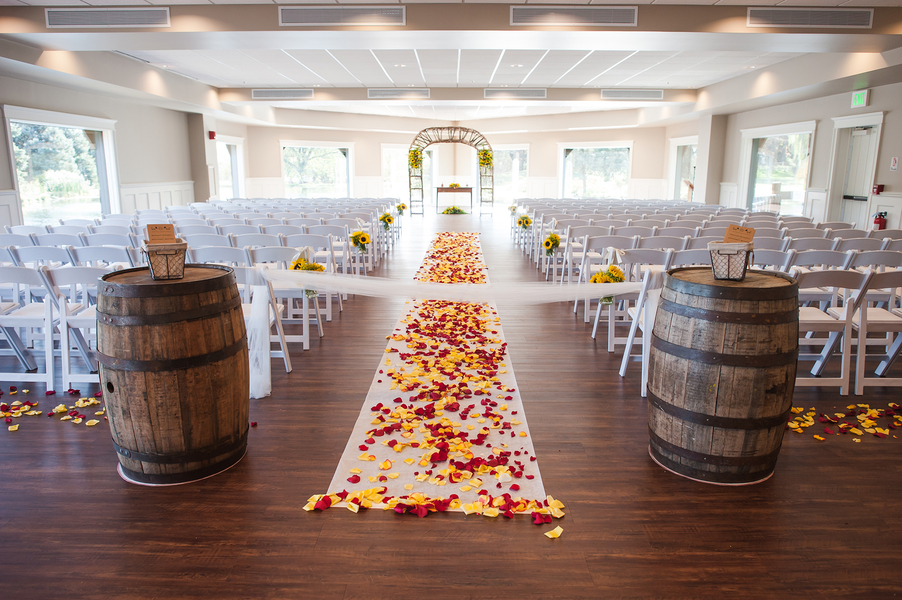 Romantic Fishermen's Inn ceremony aisle