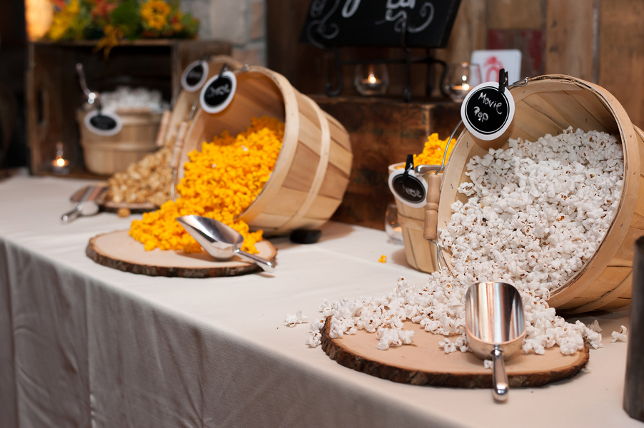 Popcorn bowls at wedding for favors