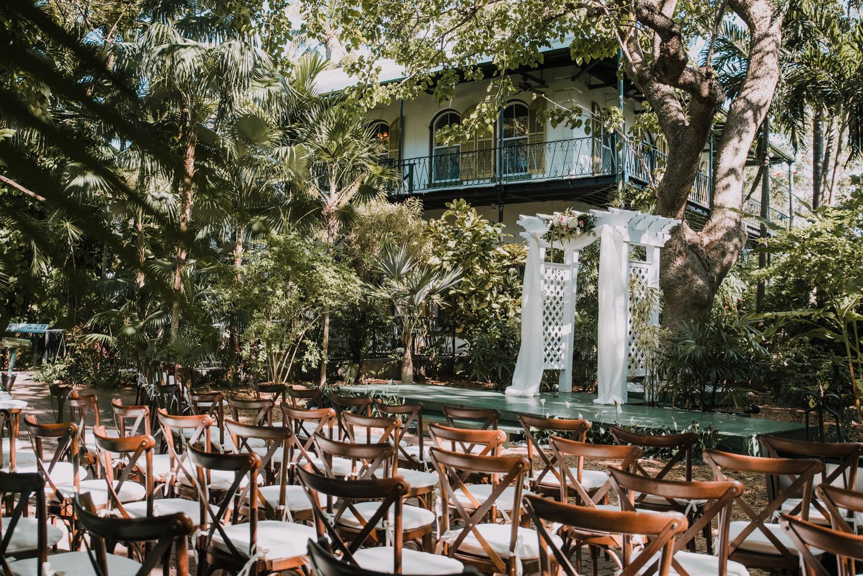 Old Hollywood Inspired Hemingway House Wedding in Key West, Florida ...