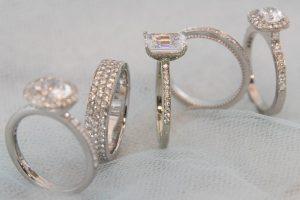Razny Jewelers in Addison, Illinois
