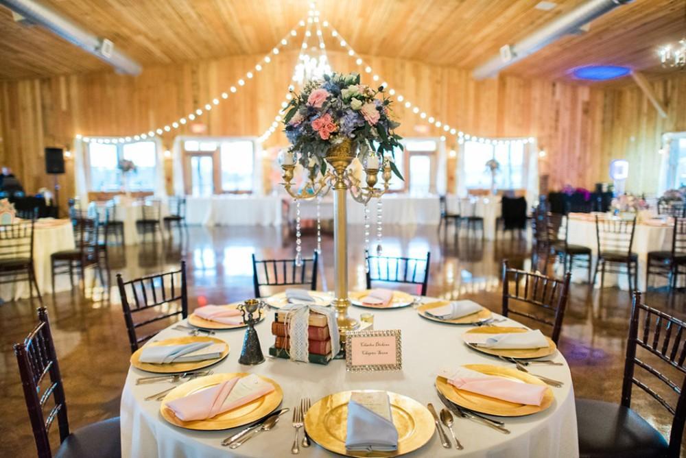 Abbey Farms in Aurora, Illinois   Wedding Venue   rustic wedding venue   barn wedding venue
