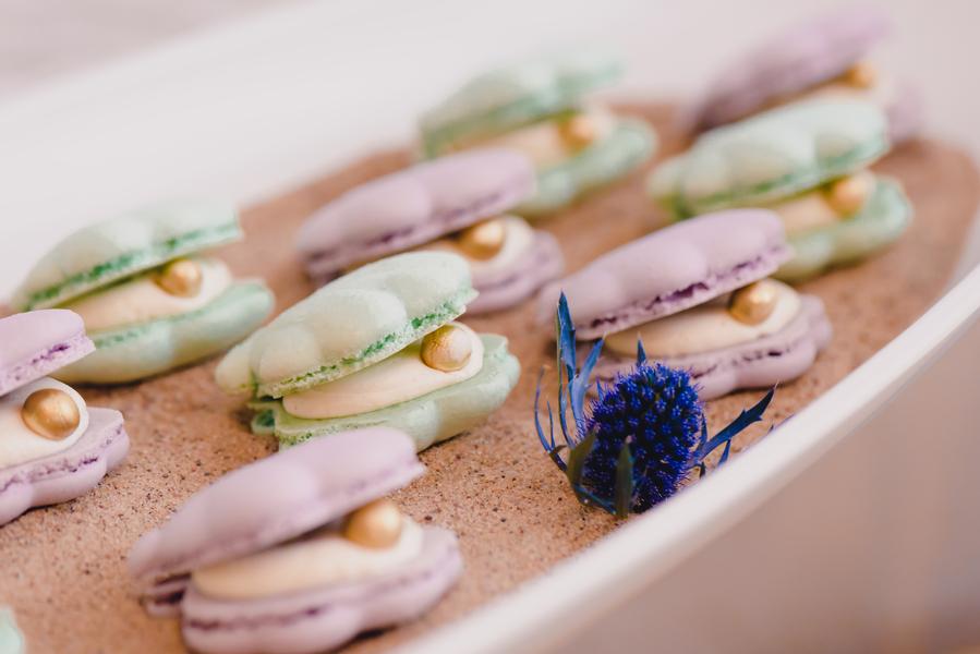 clam wedding dessert