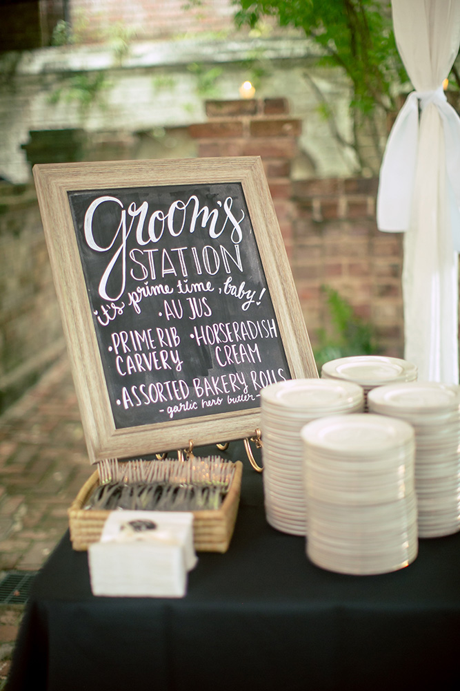 groom food station