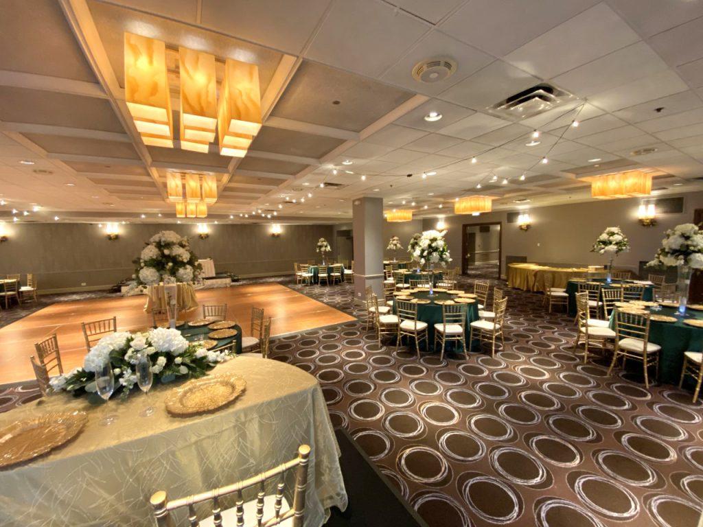 Chicago Mart Plaza | Chicago Wedding Venue