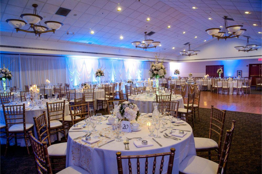Prairie Bluff Golf Club in Lockport, Illinois | Wedding Venue | Golf Course Wedding | Country Club Wedding | Chicago Wedding