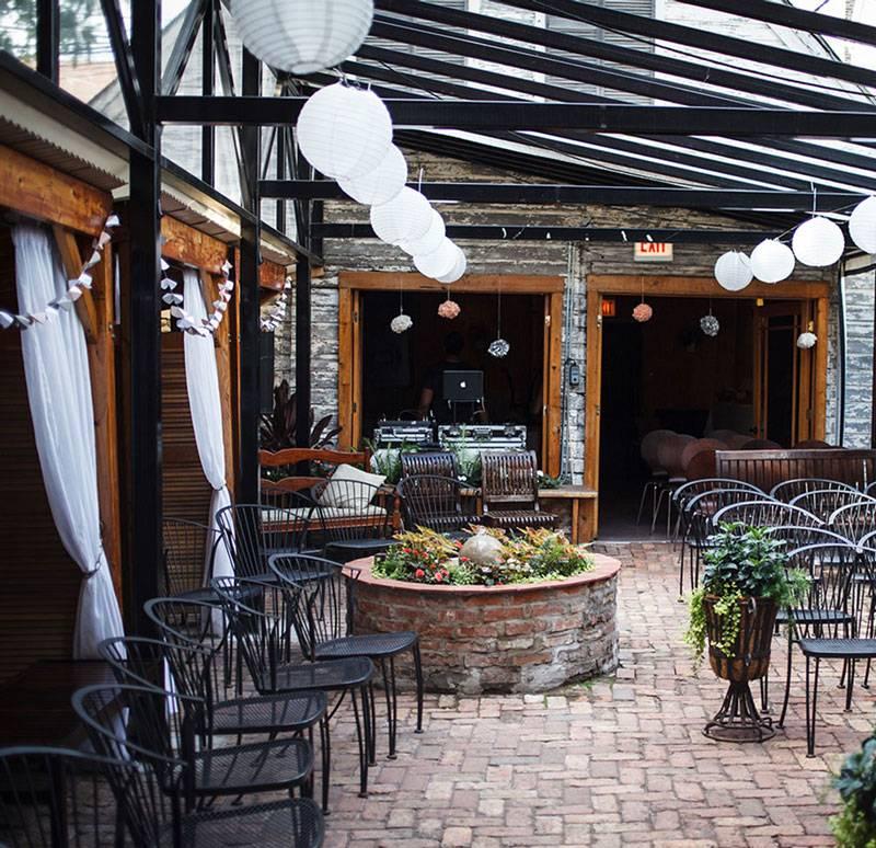 Volo Restaurant Wine Bar in Chicago, Illinois