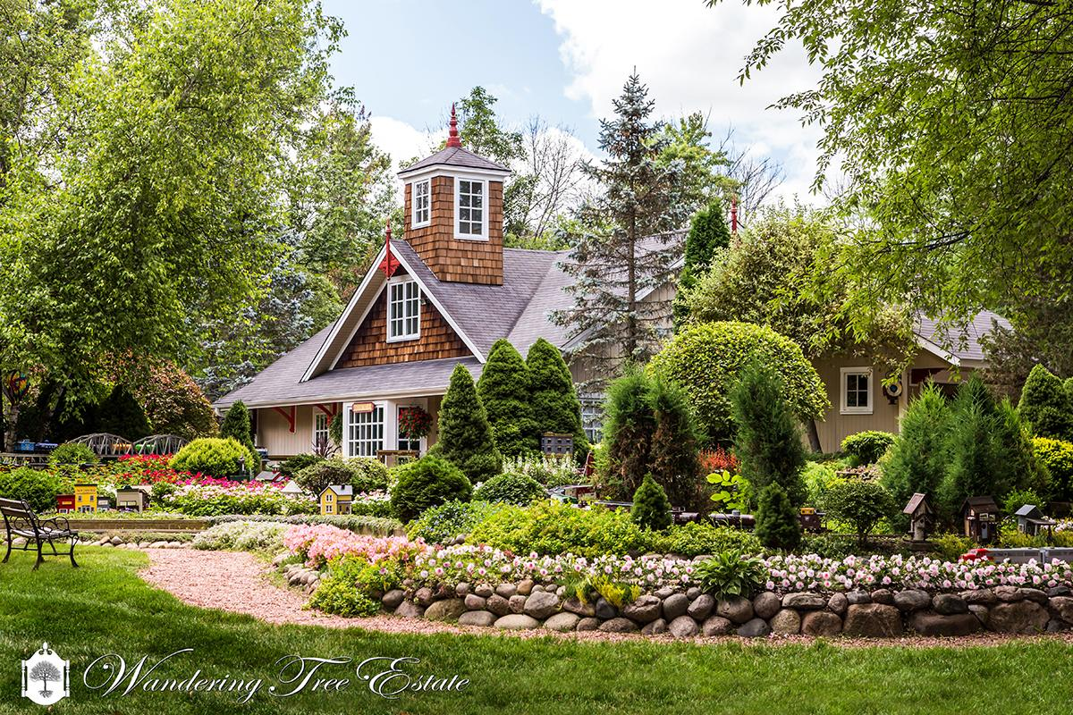 Wandering Tree Estate in North Barrington, Illinois