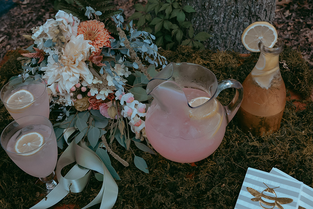 wedding lemonade drink