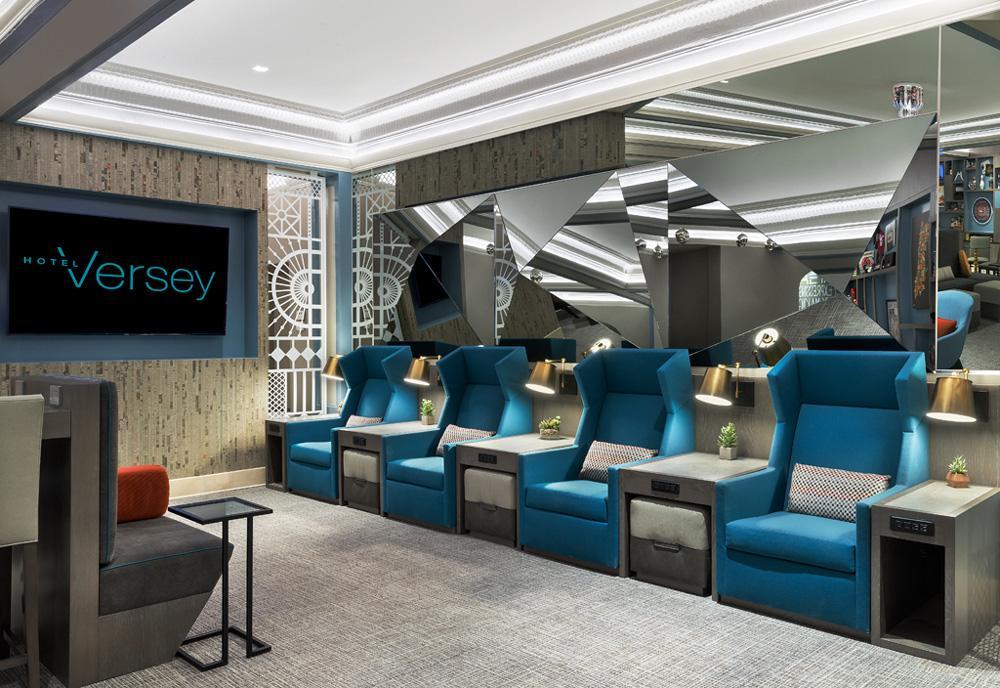 Hotel Versey in Chicago, Illinois